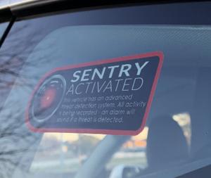 Bilde av Sentry Mode sticker - Tesla